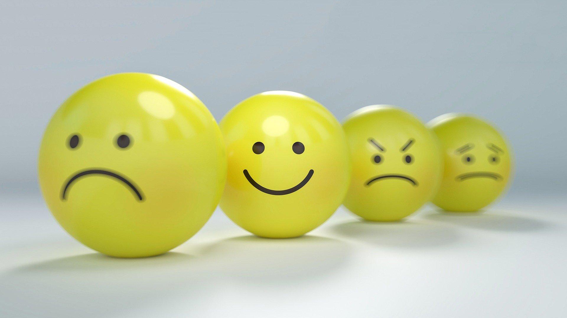 2021-04-24 Pixabay Gino Crescoli-Smiley-2979107_1920